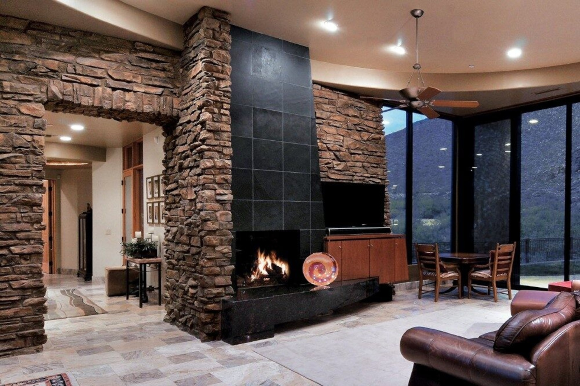 Dakota Brown Canyon Ledge Manufactured Stone Veneer