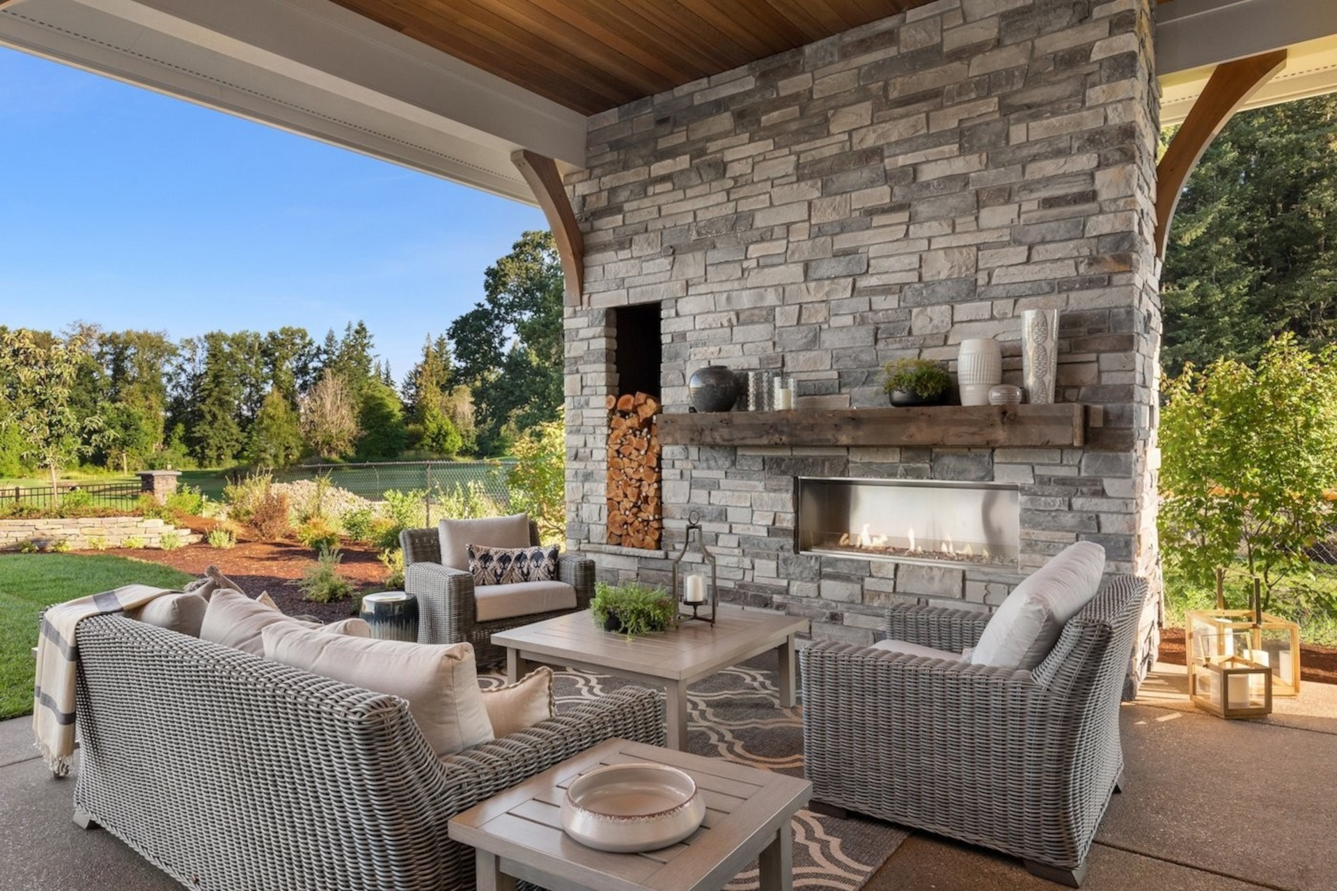 Echo Ridge Country Ledgestone Manufactured Stone Veneer