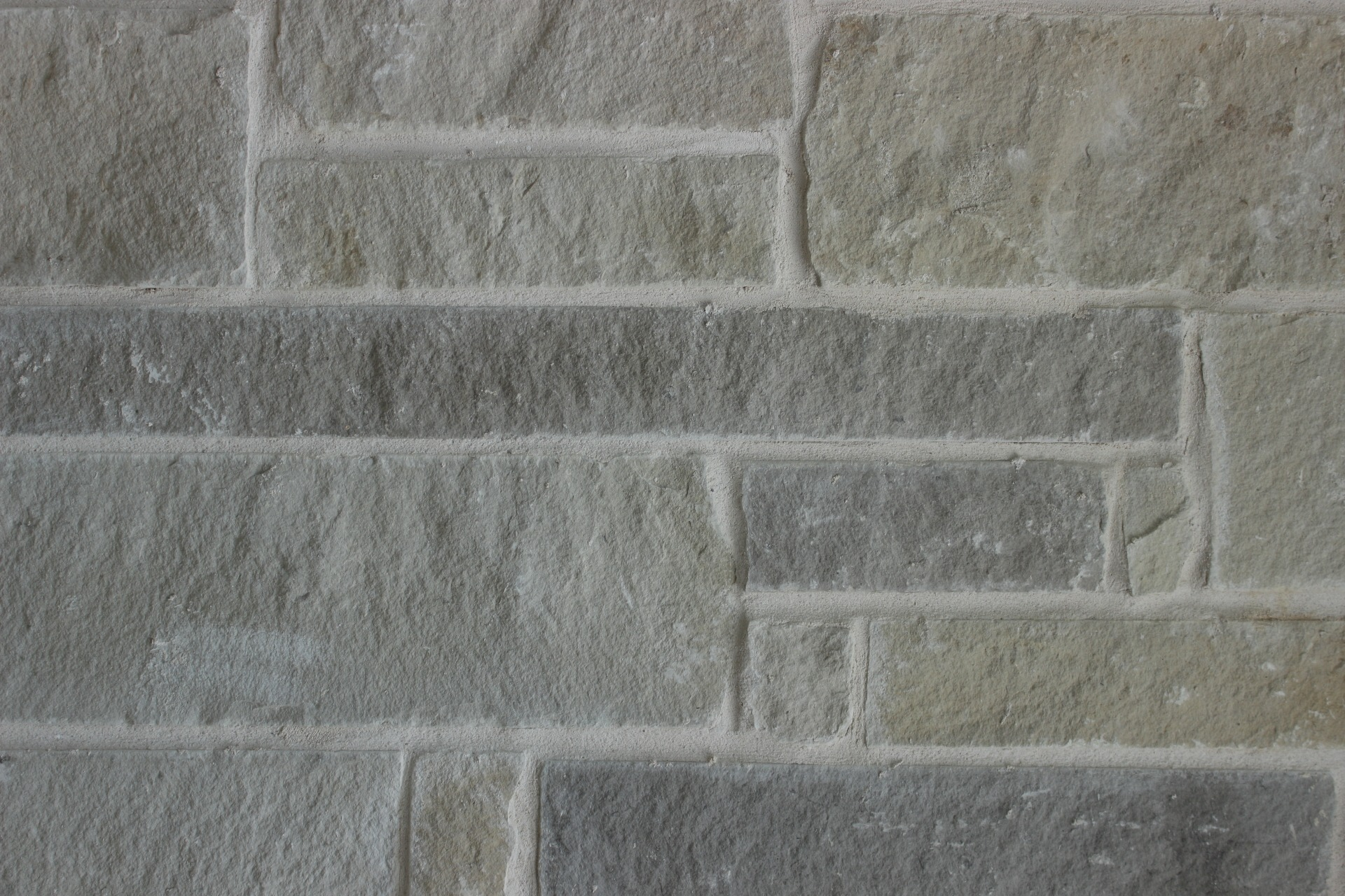 Charcoal Buff Lueders Blended Stone